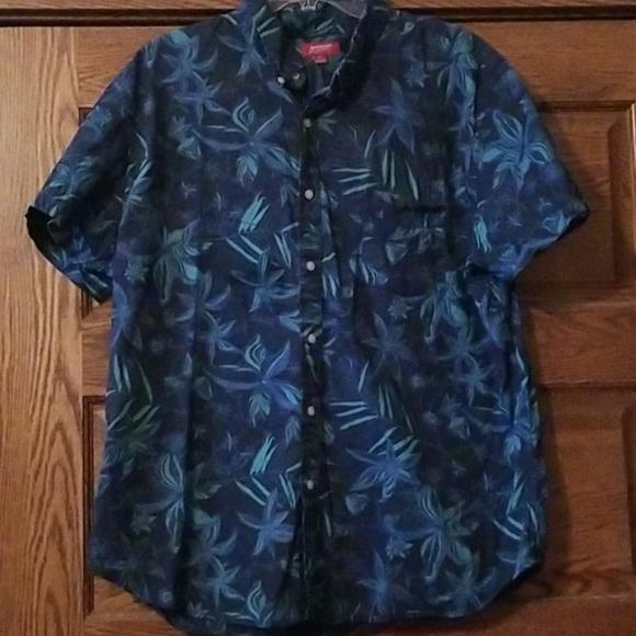 Mens Xxl hawaiian style button down shirt